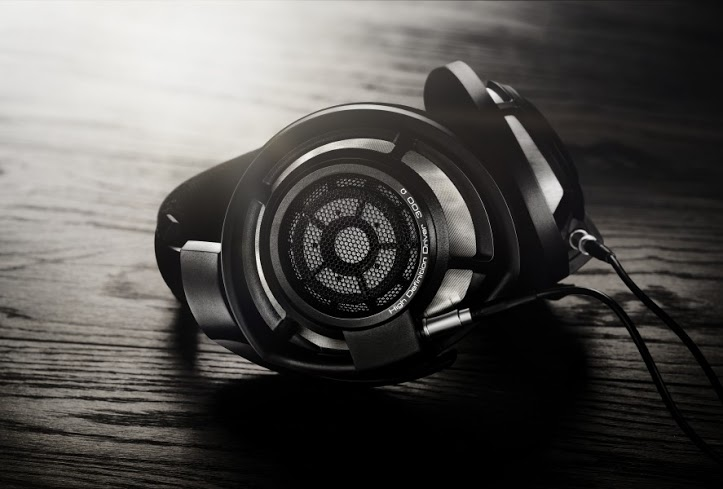 HD_800S_black_mood_02_RGB
