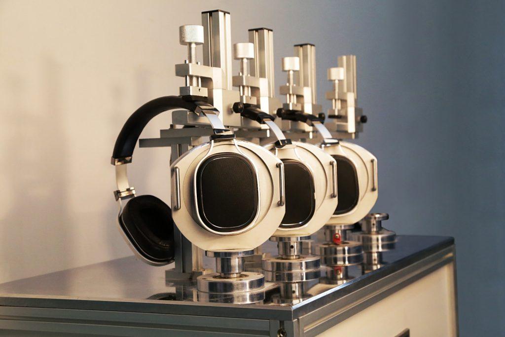 Ear Cup Rotation Test