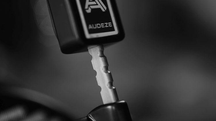 Audeze LCD-MX4