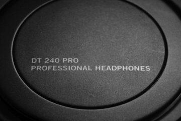 beyerdynamic DT240 Pro