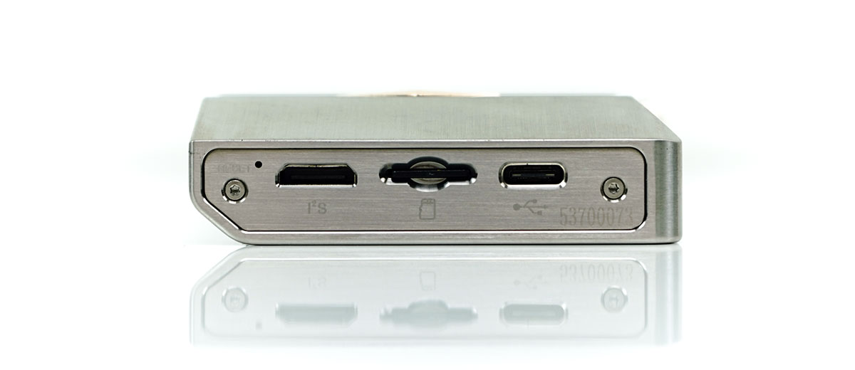 Cayin N8 USB-C, I²S and memory card slot