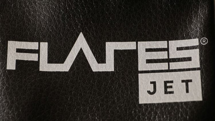 Flares Jet