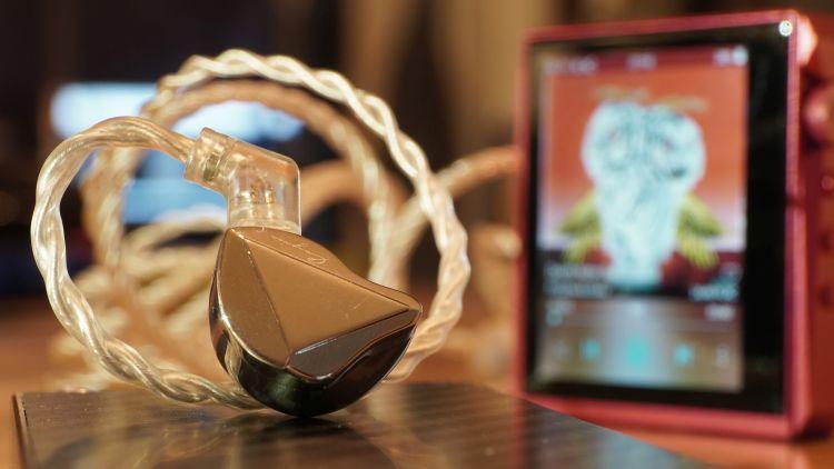 Cayin Fantasy Review | Headfonics Audio Reviews